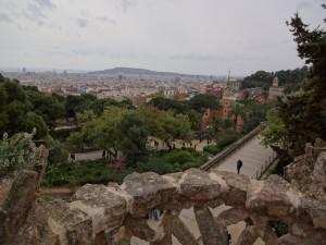 Paisaje de la ciudad de Barcelona, vista desde el Parc Guel. グエル公園から見たバルセロナの街