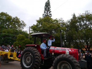 独立記念日パレード トラクター