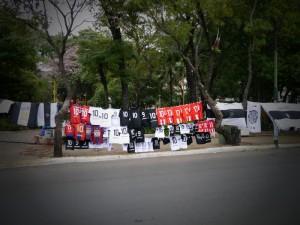 街中で売っているユニフォーム Uniforms sold in the town