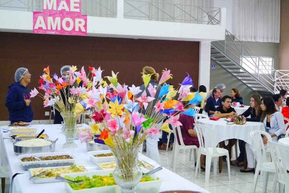 ブラジルパラナ州で母の日昼食会 almoço de dia das mães Mother's day lunch in Parana, Brazil